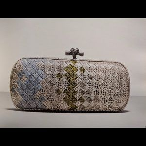 NEW Bottega Veneta Stretch Knot Clutch